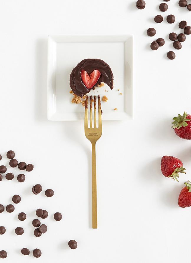 Shari's Berries Valentine's Day Social Content
